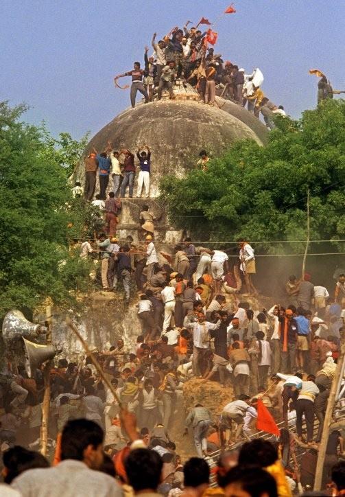 Разрушение мечети Бабура, 1992 год